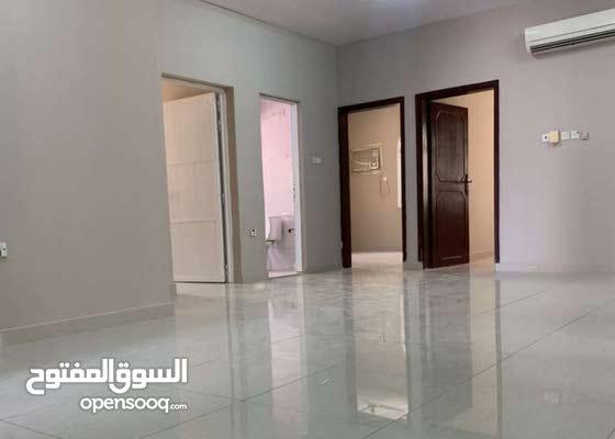 للإيجار شقة طابق ارضي في الغبرة قريب السلطاني والمجمع الرياضي