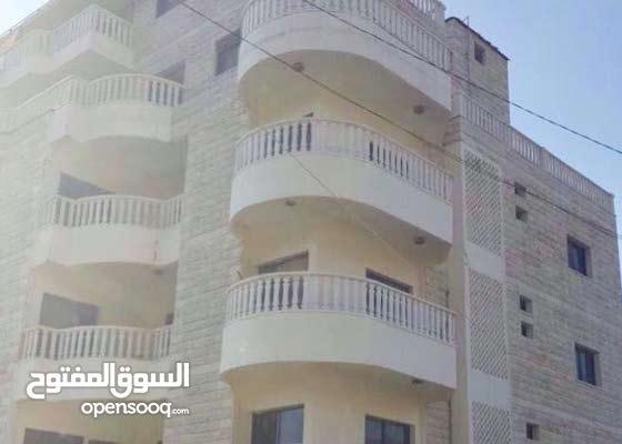 شقة 200 م في بحمدون الخريبة