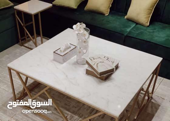 طاولات حديد و رخام على حسب الطلب