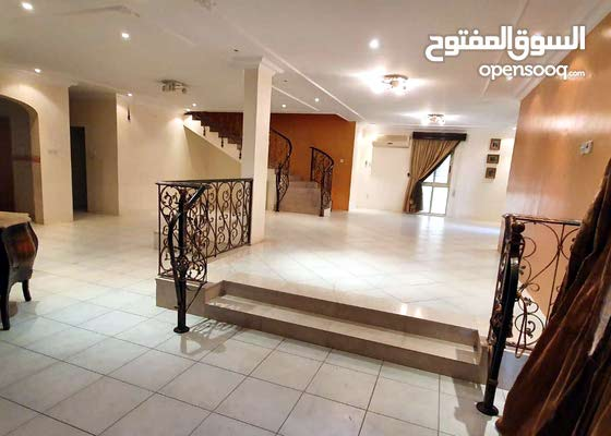 For rent a commercial resedintail villa in Seef district