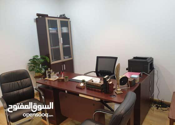 غرفة مكتب للإيجار بمنطقة راقية ب100 فقط