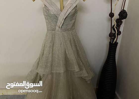 فستان خطبة للبيع