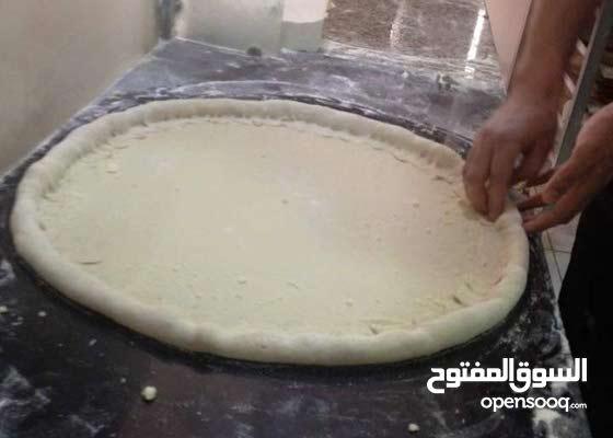 معلم بيتزا و سندوتشات و طباخ