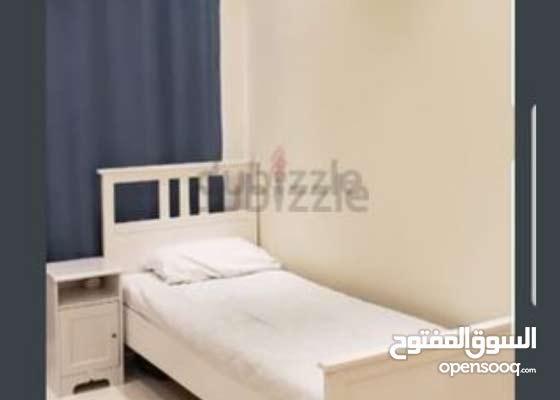 سرير متوفر للمشاركة مع شاب عربي في منطقة البرشاء جنوب 2