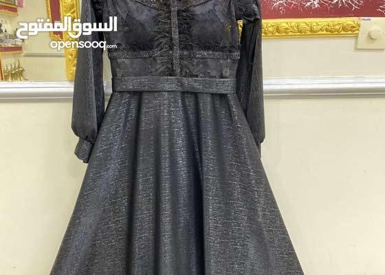 فستان أسود انيق