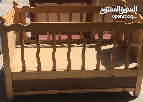 جرباية طفل خشب مستعملة نظيفة جداً التفاصيل في الوصف ...