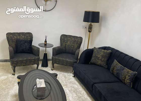 للبيع دار مساحه 110م في المنصور في شارع السفاره البحرينيه من اجمل شوارع المتنبي