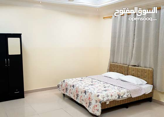 غرف للإيجار اليومي المعبيلة الثامنة مقابل نفط عمان والفيحاء ب8ريال