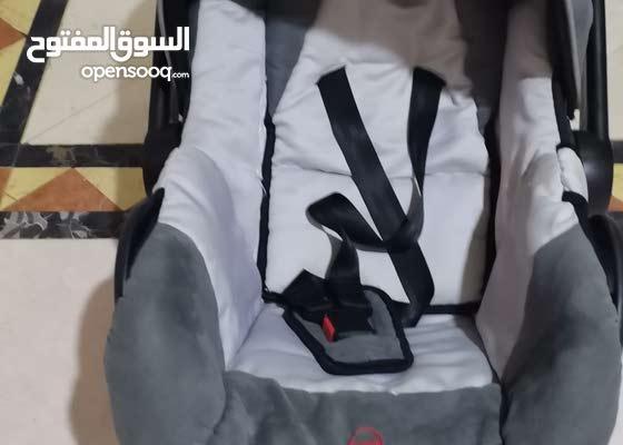 كرسي حمل الرضيع