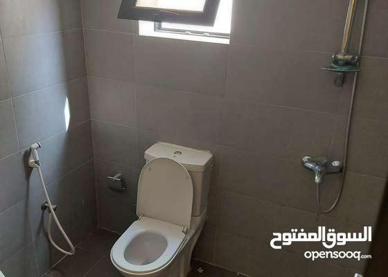 للايجار شقه نظيفه في منطقة جد حفص بالقرب من السنابس منطقه هادئة مع المكيفات بالك