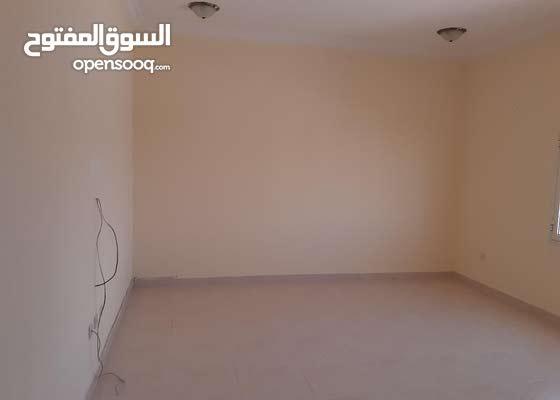 شقة للايجار في عين خالد و/ الوكرة