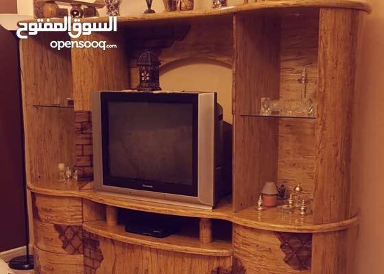 بوفيه كبير و تلفزيون