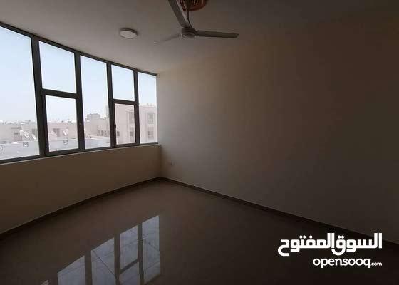 شقة نصف مفروشة فاخرة للإيجار في البسيتين Semi furnished flat for rent Busaiteen