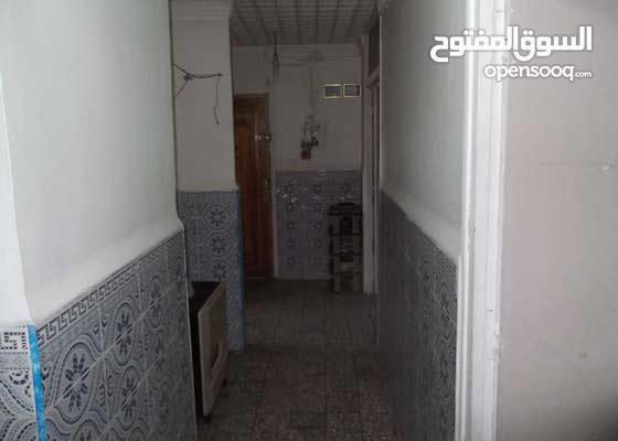 بيع شقة في حي 500 سكن بمدينة باتنة