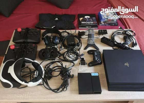 متوفر لدينا بلي ستيشن PS4 وملحقاته من جميع الانواع والماركات وارد المانيا الطلب للطلب