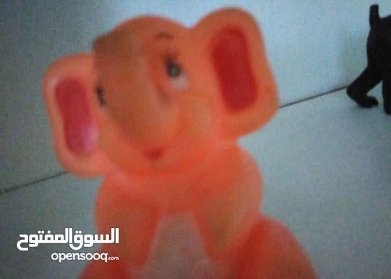 لعبة فيل صغيرة