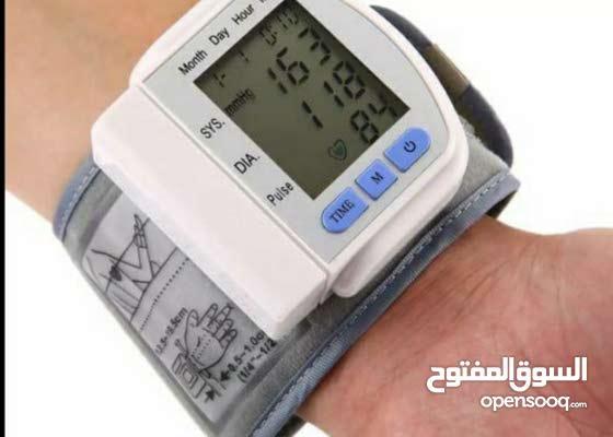 مقياس ضغط ونبض قلب طبي