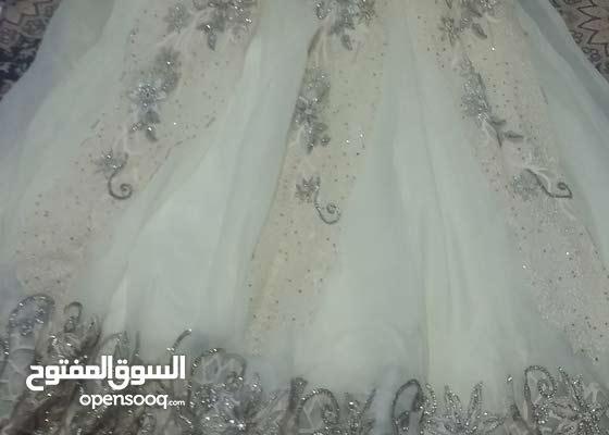 فستان زفاف للبيع ب 100 الف فقط فرصه والفستان يجنن