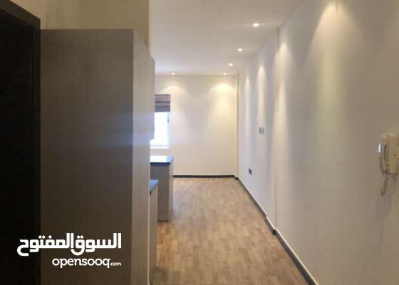Semi furnished flat for rent In amwaj