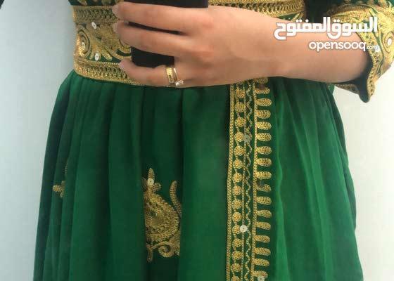 فستان شعبي للإيجار ب 20 دينار