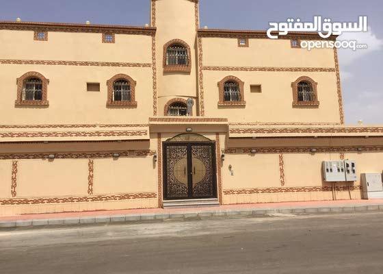 Az Zahrah neighborhood Al Madinah city - 170 sqm apartment for rent