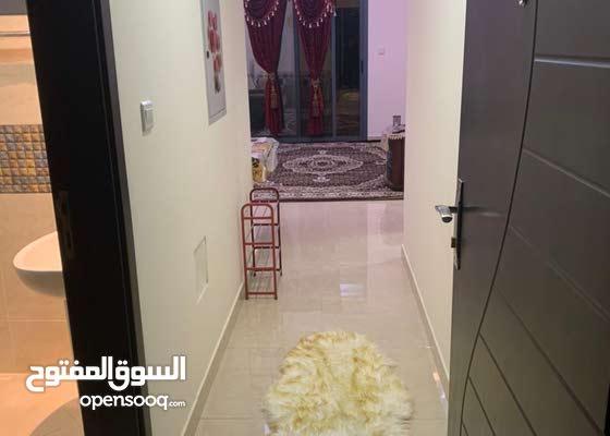 شقه مفروشه غرفه وصاله مقابل مطحنه هاشم الراشديه