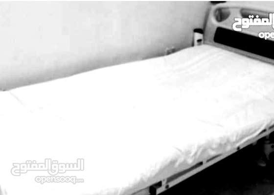 سرير طبي كهربائي.. نظيف جدا وبحاله ممتازه