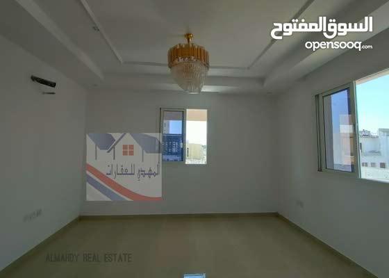 منطقة الزاهيه علي الشارع الرئيسى مباشرة تشطيب راقى جدا سعر مغرى جدا : تملك حر