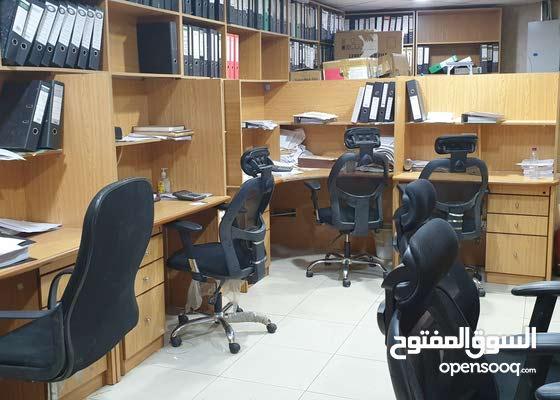 مكتب مؤثث للتقبيل 254 متر في الملز