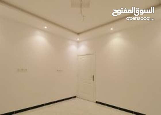 شقه امامية بمدخلين 4 غرف وبتصميم راقي وعصري من المالك مباشرة