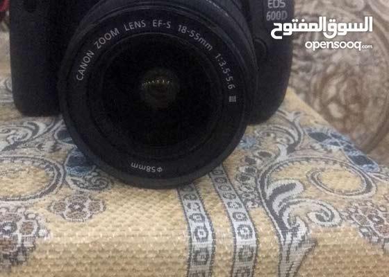 كاميرا كانون eoc600D للبيع+زوم Lens ef 75-300mm