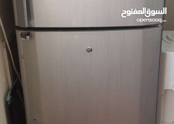 refrigerator works very well.  Nice cooling and adjustable