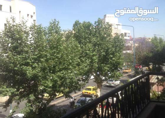 للبيع شقه في ابو رمانه 290 متر