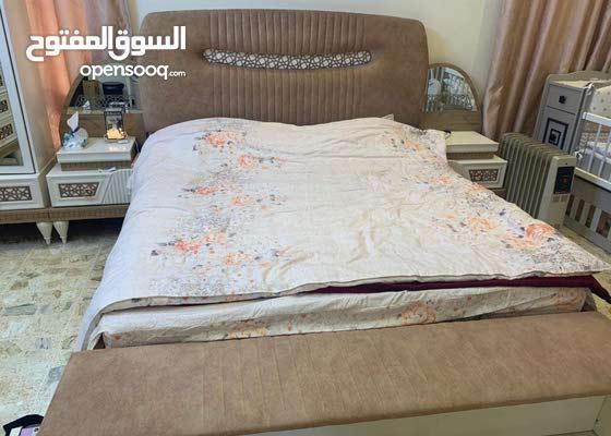 غرفه نوم مستخدمه سنتين جديده اعرضها ب 18 ورقه وبيها مجال للشراي