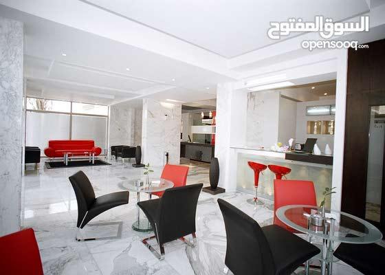 شقة مفروشة في السالمية  Fully furnished apartments in Salmiya