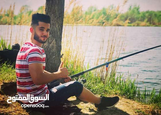 شاب اردني مقيم بالاردن عمري 20 سنة مستعد لخدمة اي شخص
