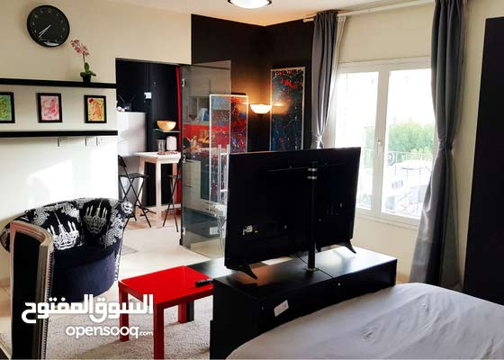 Beautiful Modern Rooms For Ladies In Compound Villa!