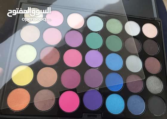 real professional crown makeup Smokey palette