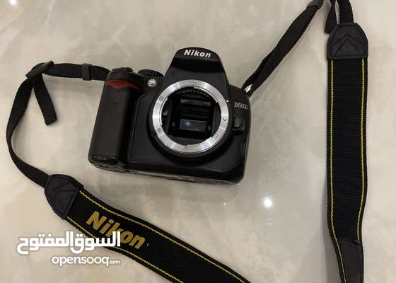 كاميرا نيكون موديل D5000