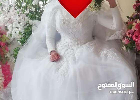 فستان عروس ابيض ناصع ملبوث مرة واحدة على الموضة موديل 2020