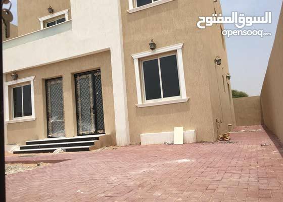 للبيع فيلا جديدة  ,,  3 غرف نوم ماستر - منطقة الزاهية - شارع الشيخ محمد بن راشد - عجمان KBH 03