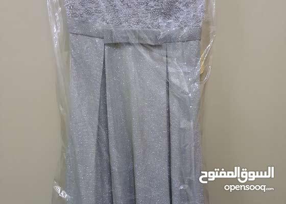 فستان جديد مو مستخدم الا ساعتين فقط