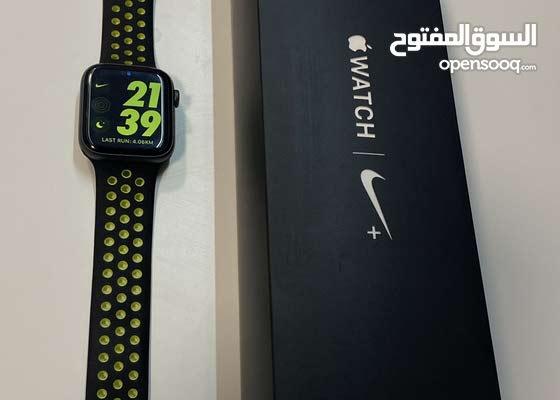 Apple Watch series 4, 44mm , nike+