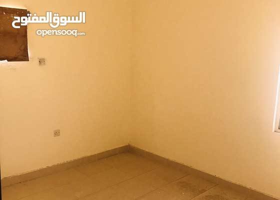 شقة واسعة للايجار في قلالي ثلاث غرف مع مطبخ مفتوح شامل 330 دينار