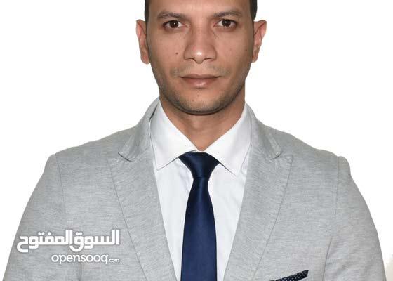 محامى مصرى داخل الدولةلغة أنجليزية عشر سنوات عمل بمجال القانون والمحاماه