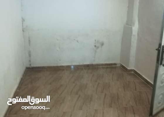 غرفه صغيره للايجار تتسع لشخصين بمنطقه العبدلي
