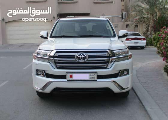 Toyota Land Cruise GXR V8