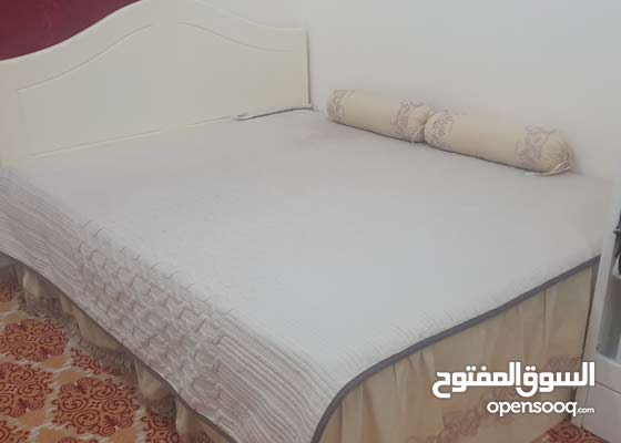 سرير وشرف طبي