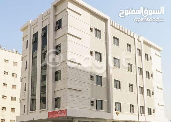 للإيجار شقة غرفة وصالة مقابل جي ام سي وثوم بي بناية جديدة أول ساكن