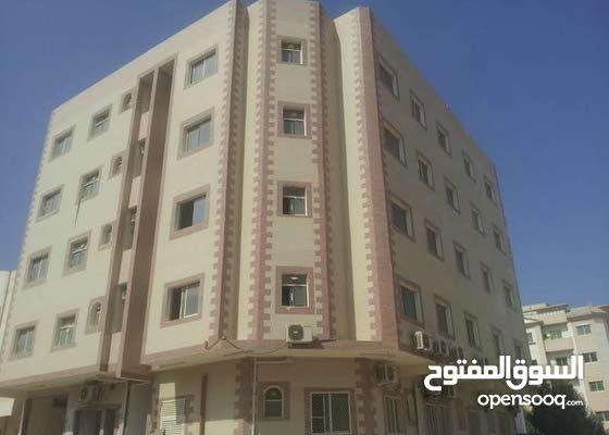 شقة للاجار غرفتين وصالة وحمامين وبلكنة مكيافات اسبلت وسط المدينة عجمان
